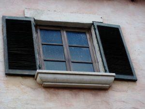 window-189318_640